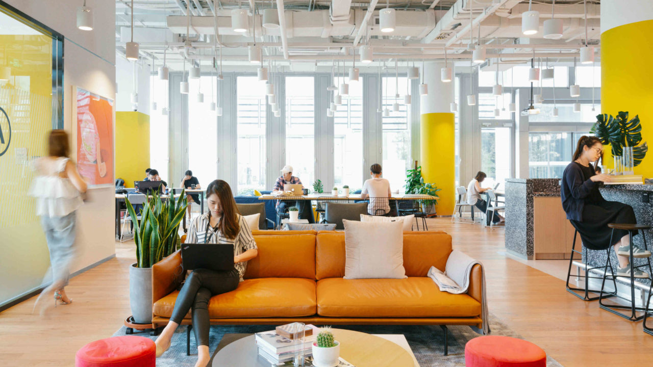 https://workinmind.org/wp-content/uploads/2018/10/wework-dalian-lu-common-areas.jpg-1280x720.jpg