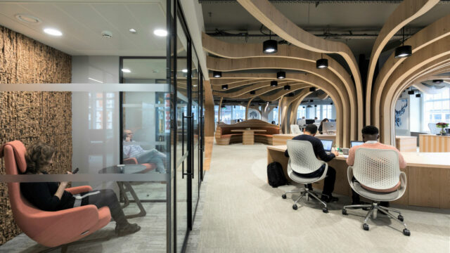 https://workinmind.org/wp-content/uploads/2019/01/call-rooms-and-concentration-spaces-alongside-open-plan-640x360.jpg