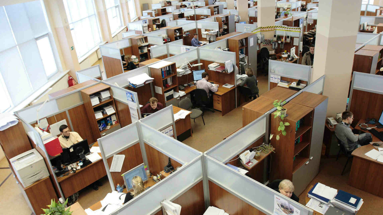https://workinmind.org/wp-content/uploads/2019/07/is-there-still-a-place-for-the-traditional-office-1280x720.jpg