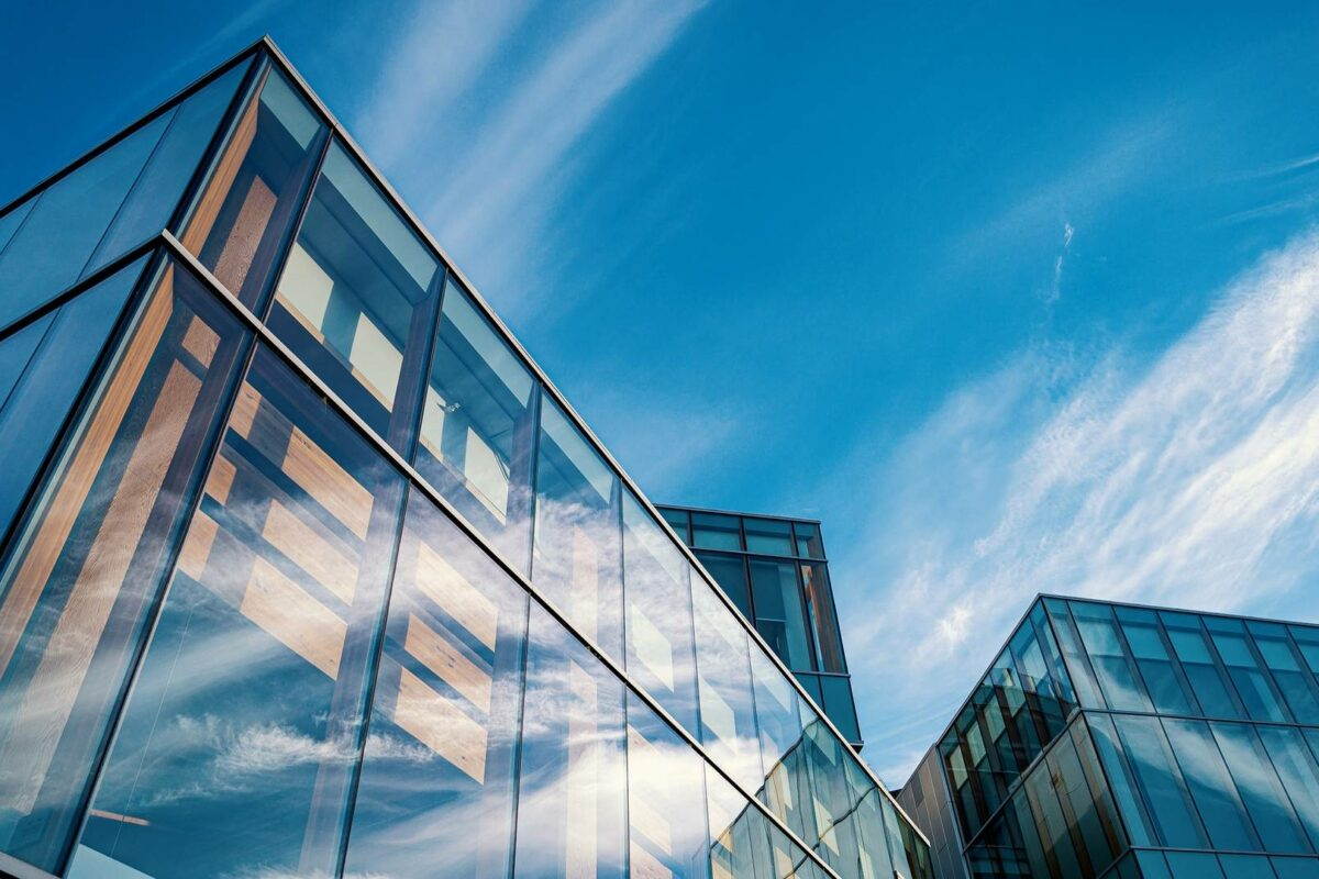 Leading UK landlords commit to smart building certification