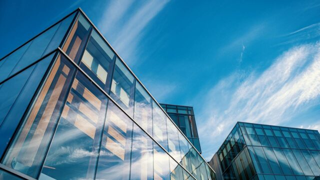 https://workinmind.org/wp-content/uploads/2021/04/uk-landlords-commit-to-smart-building-certification-640x360.jpg