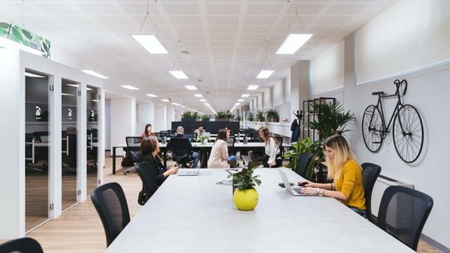 https://workinmind.org/wp-content/uploads/2021/06/is-office-design-important-for-staff-recruitment-retention-640x360.jpg